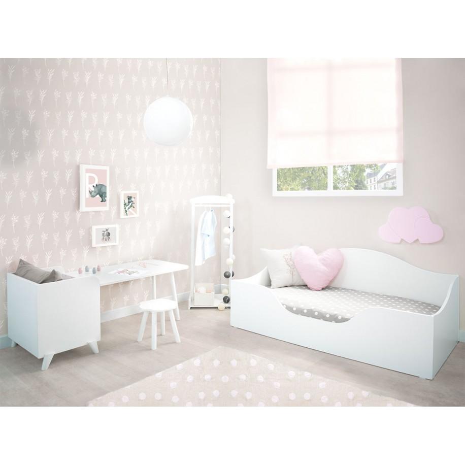 Camera per bambini con letto Montessori